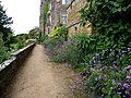 Berkeley Castle, garden - geograph.org.uk - 1732825.jpg