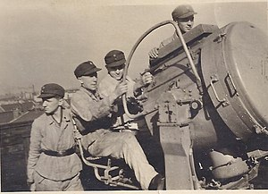Luftwaffenhelfer - Hitler Youth (Luftwaffenhelfer - born 1927) as crew for an anti-aircraft searchlight in Berlin (1943)