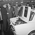 Bezoek Franse ambassadeur aan de RAI, Simca-stand, Bestanddeelnr 914-8176.jpg