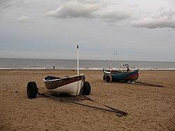 Boatoj sur la strando ĉe Marske - geograph.org.uk - 669933.jpg