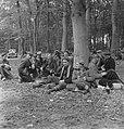 Bosbewerking, arbeiders, bomen, zitten, eten, drinken, Bestanddeelnr 251-8167.jpg