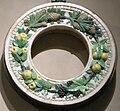 Bottega di luca della robbia, tondo con ghirlande, 1490 circa.JPG