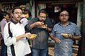 Breakfast - Wikimedia Photowalk - Sri Aurobindo Sarani - Kolkata 2014-02-23 9555.JPG