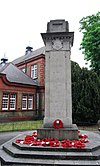 Brentford War Memorial (geograph 2612944).jpg