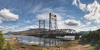 Bridgewater Bridge. Im Hintergrund der Mount Wellington