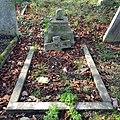 Brockley & Ladywell Cemeteries 20191022 135508 (48946906667).jpg
