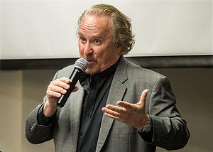 Bruce Henderson (author) - Bruce Henderson speaking at Kepler's Books in Menlo Park, Calif. (2015)