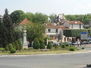 Bry-sur-Marne - Monument to Louis Daguerre