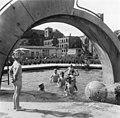 Bundesarchiv Bild 183-94243-0001, Berlin, Monbijou-Platz, Planschbecken.jpg