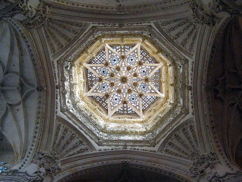 Interior del cimborrio de la catedral de Burgos