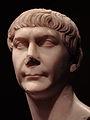 Buste de Trajan.jpg