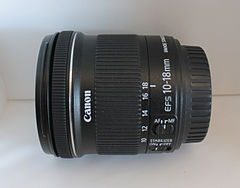 Canon EF-S 10-18mm F4.5-5.6 IS STM lens 02.jpg