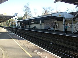 Carshalton Beeches Station 02.JPG