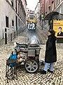 Castañas, Lisboa (33978454201).jpg