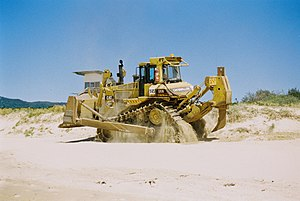 Caterpillar D9 - A Caterpillar D9N on a beach
