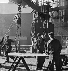 Cecil Beaton Photographs- Tyneside Shipyards, 1943 DB75.jpg