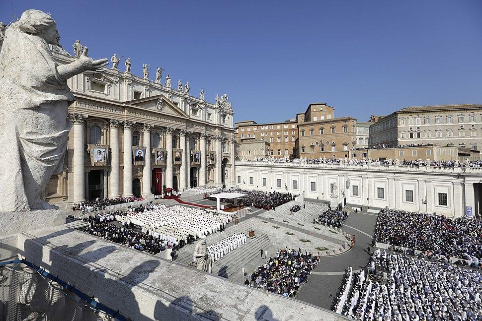 Ceremonia de Canonización de Monseñor Romero. (44398703435)