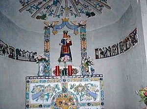 https://upload.wikimedia.org/wikipedia/commons/thumb/e/e3/Chapelle_Gosin.jpg/300px-Chapelle_Gosin.jpg