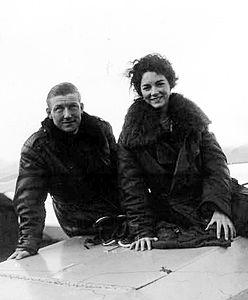 Charles Nungesser et sa fiancée - Spad, 1923.jpg