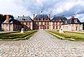 Chateau de Breteuil, de face.jpg