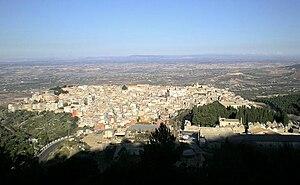 Chiaramonte Gulfi - View of Chiaramonte Gulfi from Mount Arcibessi.
