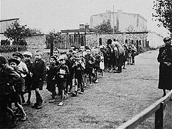 Children headed for deportation.JPG