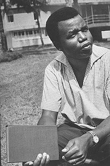 Chinua Achebe - Wikipedia