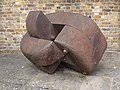 Chiswick Mall sculpture 23380.JPG