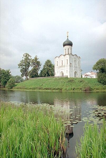 File:Chram Pokrowa Nerl.jpg