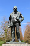 Churchill statue at Woodford Green by David McFall R.A. 01.jpg