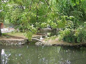 Lake Cișmigiu - Image: Cismigiu Garden Bucharest 2
