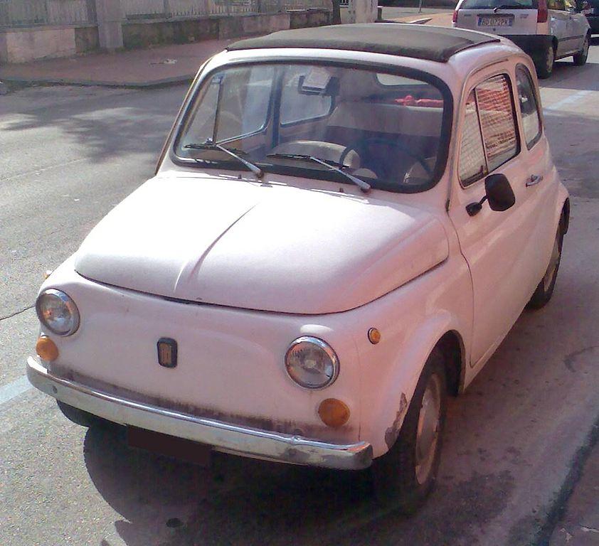 File:Classic Fiat 500.jpg