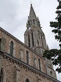 Clocher de l'église notre-Dame (Pleudihen-sur-Rance).jpg