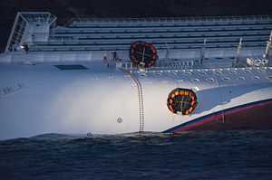 Collision of Costa Concordia 26.jpg
