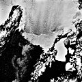 Columbia Glacier, Calving terminus, Heather Island, March 12, 1984 (GLACIERS 1356).jpg