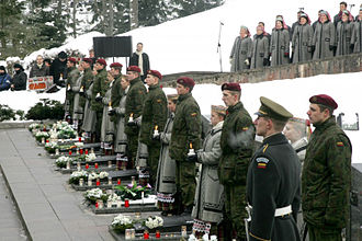 January Events (Lithuania) - Commemoration ceremony near the victims' graves.