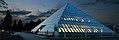 Cristalica Pyramide Nacht.jpg