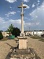 Croix Cimetière Montceaux 1.jpg