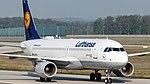 D-AIZW Lufthansa A320 FRA (47759399121).jpg