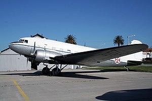 DOUGLAS DC3 300px-DC_3_%282%29