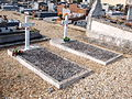 Damville-FR-27-sépultures militaires-05.jpg