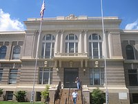 DeSoto Parish Courthouse in Mansfield, LA IMG 2421.JPG