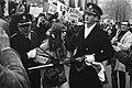 Demonstraties bij het Binnenhof Den Haag tijdens EEG-conferentie. Een Franse dem, Bestanddeelnr 923-0368.jpg