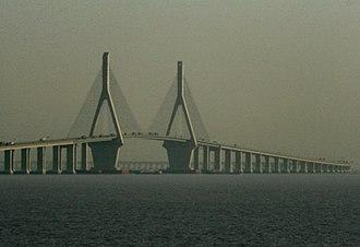 Donghai Bridge - Image: Donghai Bridge 2