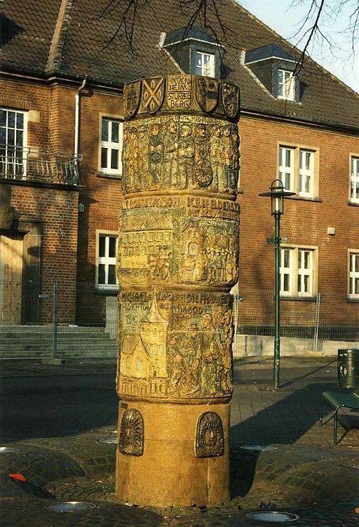 Dormagen Rathausbrunnen