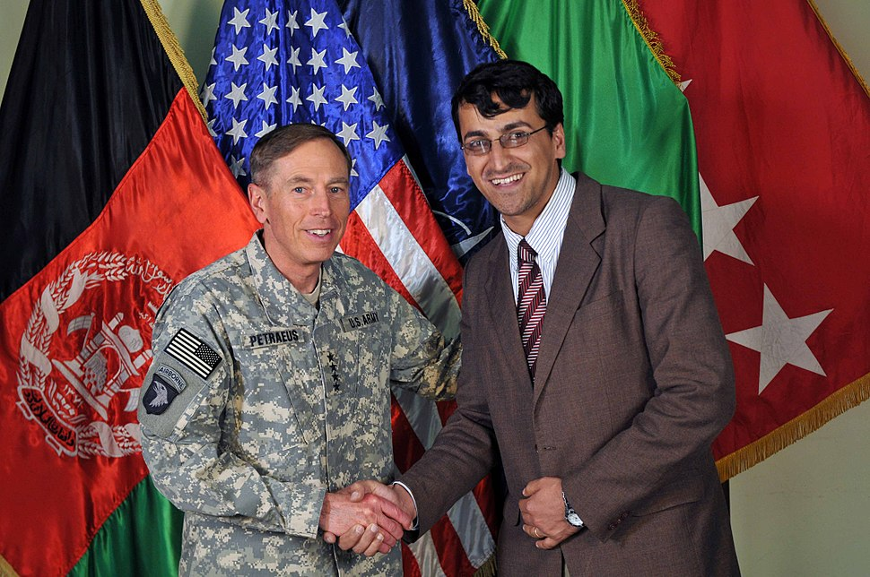 Dr. Mohammad Shafiq Hamdam and General David Petraeus US Commander in Afghanistan