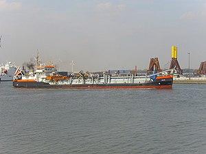 Dredge ship Hein 2012-04-17 (3).jpg