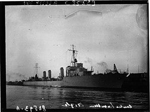 Dunkerque - lancement du contre-torpilleur Aigle.JPG