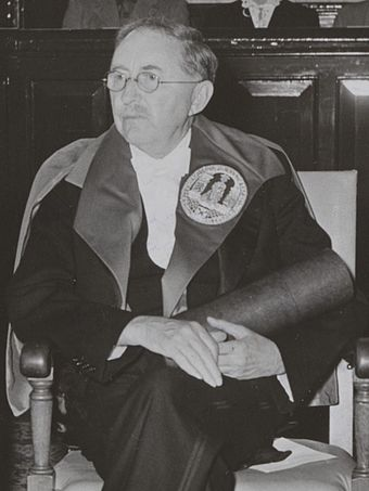 Forster receiving an honorary doctorate from Leiden University (1954)