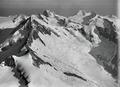 ETH-BIB-Aletschhorn, Jungfrau, Mönch v. S. O. aus 5000 m-Inlandflüge-LBS MH01-001025.tif